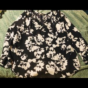 Daisy Fuentes blouse. Worn once